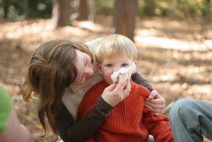 Алергічний нежить (риніт), алергічний кон`юнктивіт у дітей, симптоми, причини, лікування