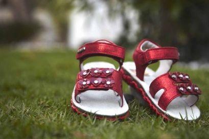 Дитяче взуття (дитяче ортопедичне взуття)