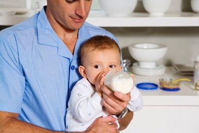 Дитячі хвороби, що ускладнюють годування з пляшечки