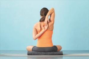 Йога для плечових суглобів