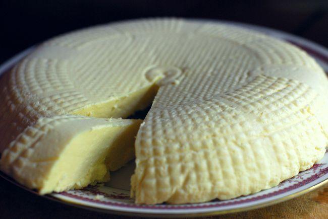 Адигейський сир при панкреатиті