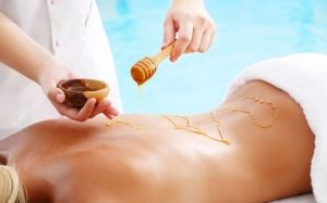 Медовий масаж в лазні: техніка, як робити?