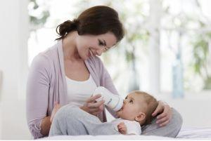 Новонароджена дитина відмовляється від грудей після годування з пляшечки