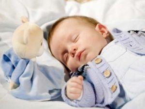 Сон дитини у віці 3-6 місяців: привчаємо до режиму