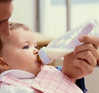 Штучне вигодовування кількість годувань. Штучне вигодовування заміна грудного молока. Вибрати дитячу молочну суміш поради фахівців