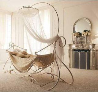 Яку ліжечко краще купити новонародженому. Яку дитячу коляску для новонароджених краще купити?