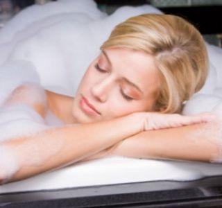 Коли можна приймати ванну після пологів? Спосіб життя після пологів. Сексуальне життя після пологів.