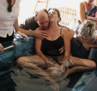 Народження дитини у воді. Пологи у воді що потрібно знати?