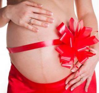 Здорова вагітність на 10-му місяці. Чи потрібно вагітним лягати на збереження?