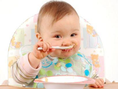 Включення в раціон харчування твердої їжі