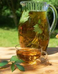 Зелений чай при панкреатиті (для підшлункової залози), чайний гриб, чи можна пити?